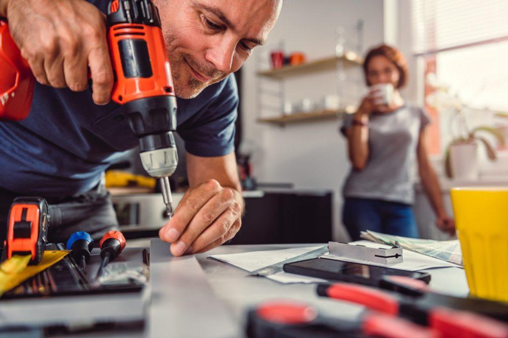 Perceuse visseuse - Faire les travaux de bricolage à la maison